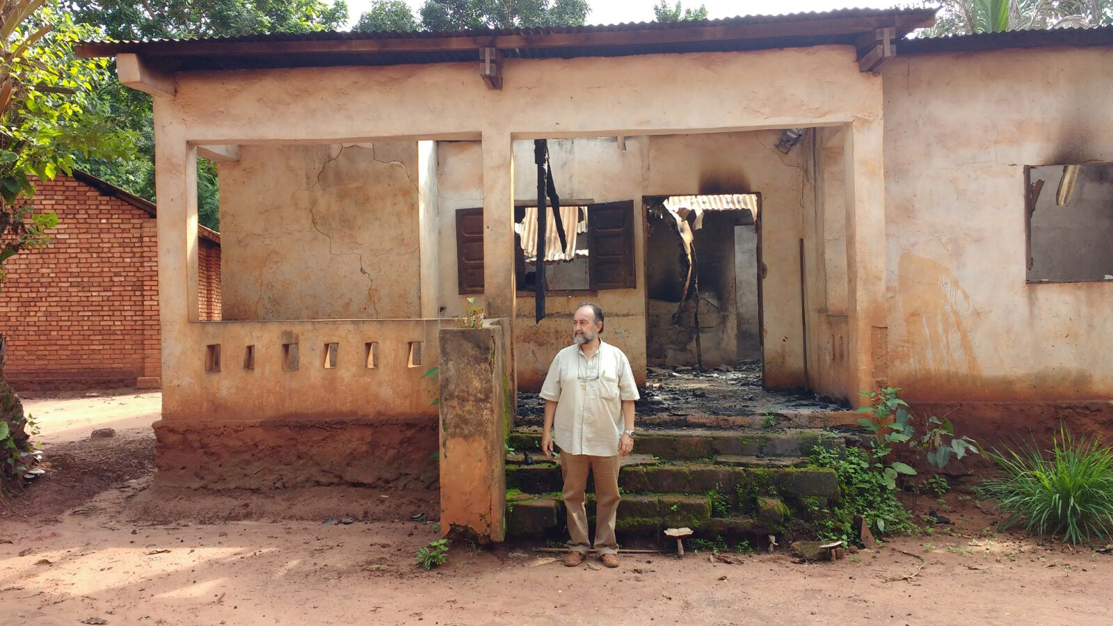 Bishop Juan Jose Aguirre outside a house attacked by Séléka jihadists in Central African Republic