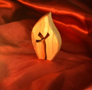 Small wooden Cross/flame