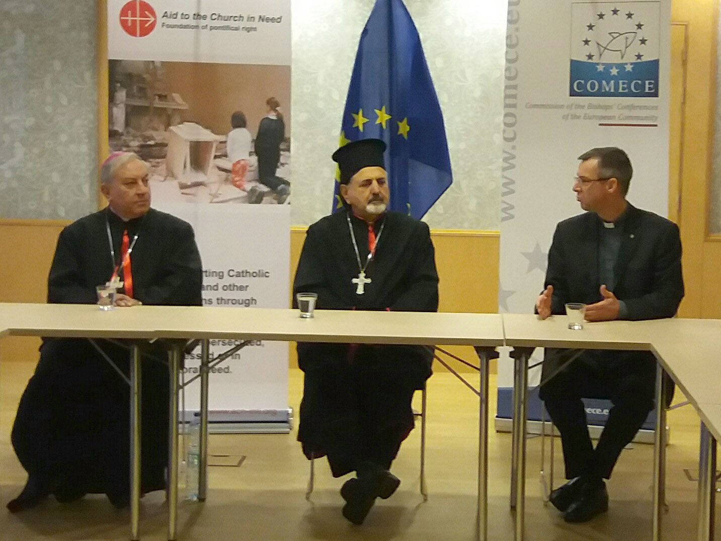 Syriac Catholic Archbishop Antoine Chahda of Aleppo and Syriac Catholic Patriarch Ignatius Younan III and Brother Olivier Poquillon, Secretary General of COMECE) (© Aid to the Church in Need)