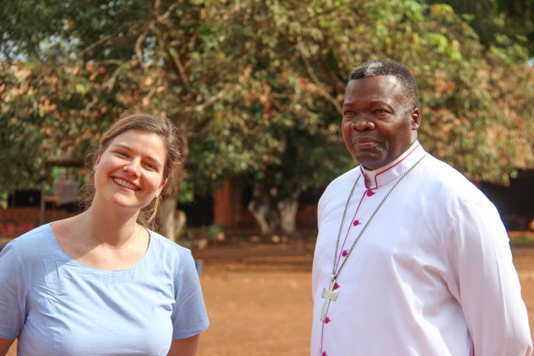 ACN's Kinga Poschinger and Bishop Bienvenu Manamika of Dolisie (© Aid to the Church in Need)