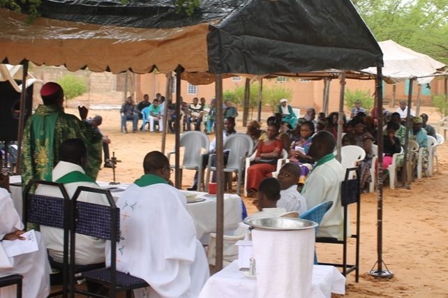 Archive image of a priest celebrating Holy Mass in Maradi Diocese, Niger in 2017