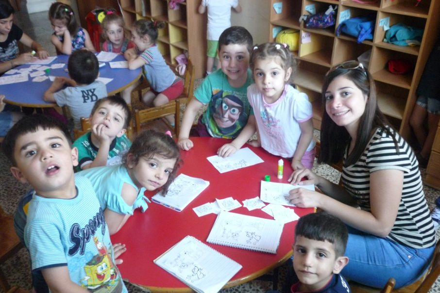 St Elias school children with teachers (© ACN)