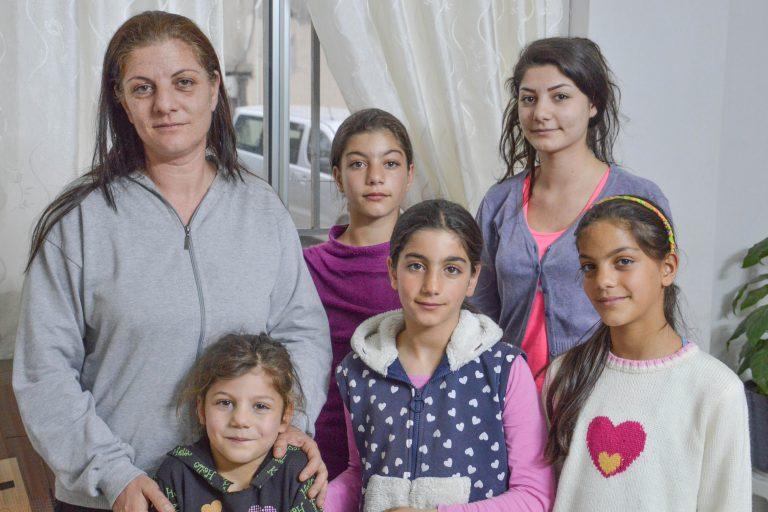 Mrs Darin Abboud and her children Maya, Maram, Mary, Mirna and Meriam (© Aid to the Church in Need)