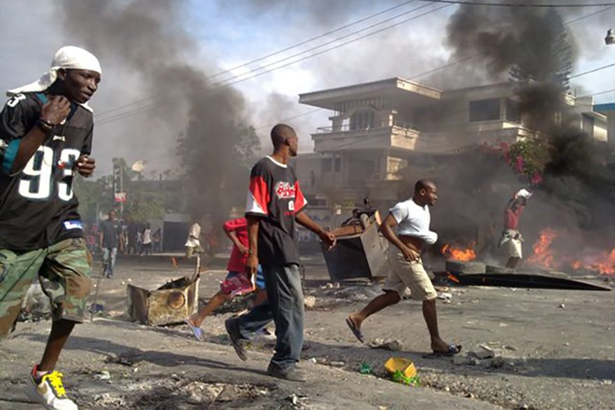 Riots in Haiti after general elections in 2010 © Digital Democracy