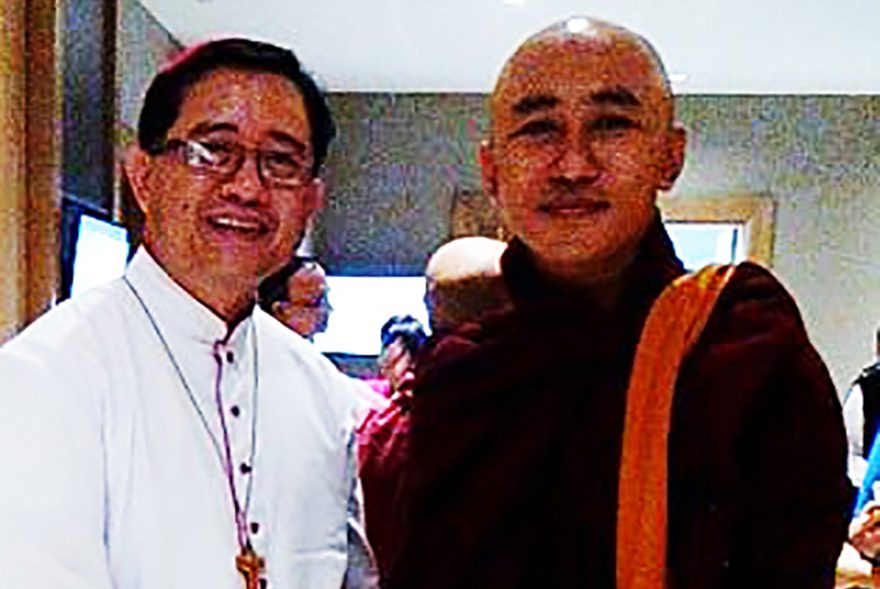 Bishop John Saw Yaw Han (left) (Credit: Aid to the Church in Need)