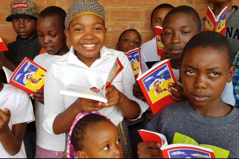 ZIMBABWE / BULAWAYO 17/00096 8.160 copies of the Child's Bible