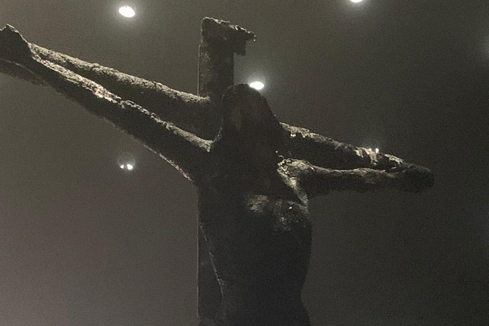 The charred remains of the crucifix in the Cathedral of Managua (© Archdiocese of Managua/Aid to the Church in Need)