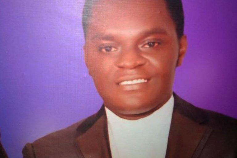 Father Valentine Ezeagu (Image © Aid to the Church in Need)