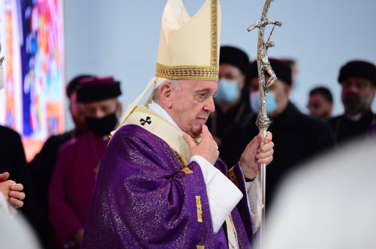 Pope Francis saying Mass in Erbil (© Aid to the Church in Need)