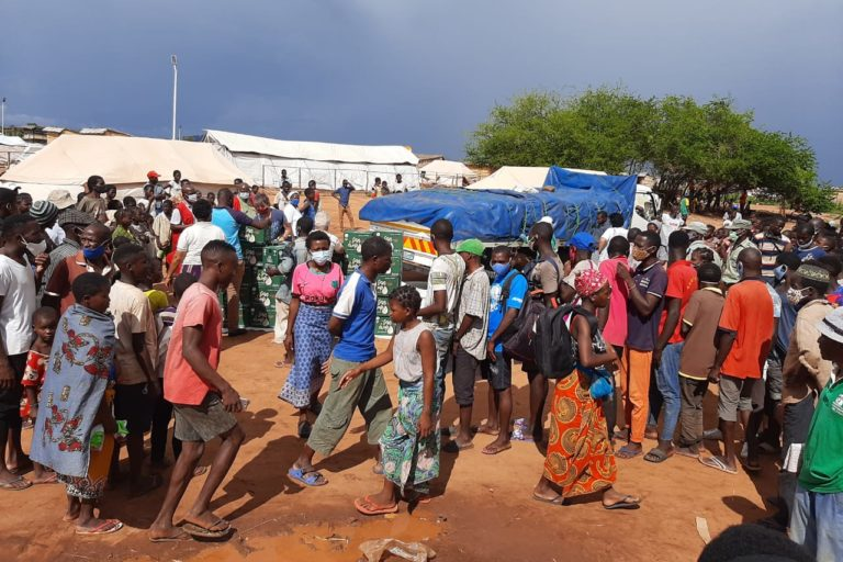 Food distributed to displaced people in Cabo Delgado (© Aid to the Church in Need)