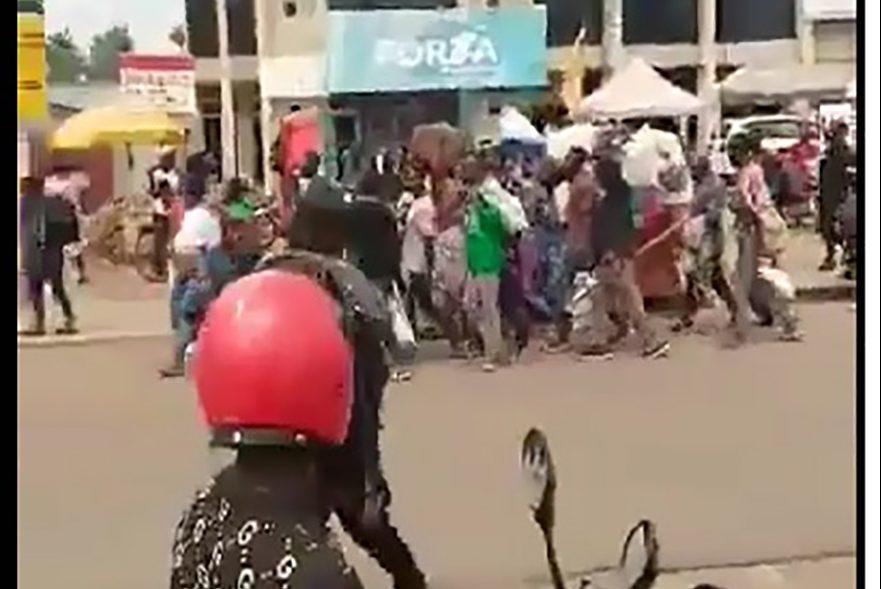 With image of a still from Twitter user @innobuchu's video of evacuees (© @innobuchu)